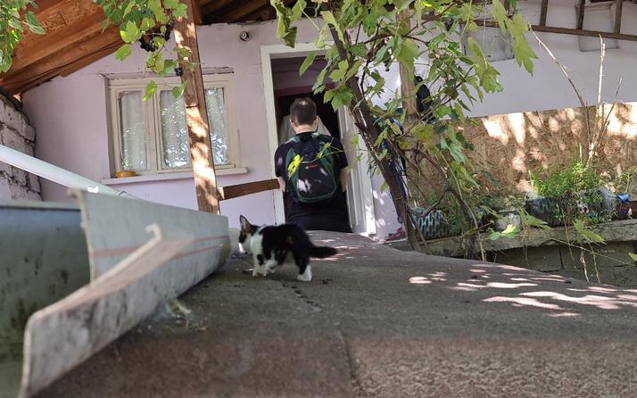 Karabük'te kediler miyavlayınca şüphelendi! Eve girince dünyası başına yıkıldı