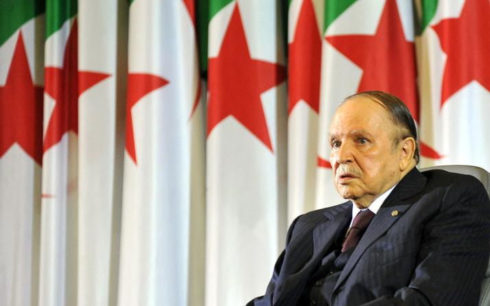 Cezayir'in eski Cumhurbaşkanı Abdulaziz Buteflika hayatını kaybetti