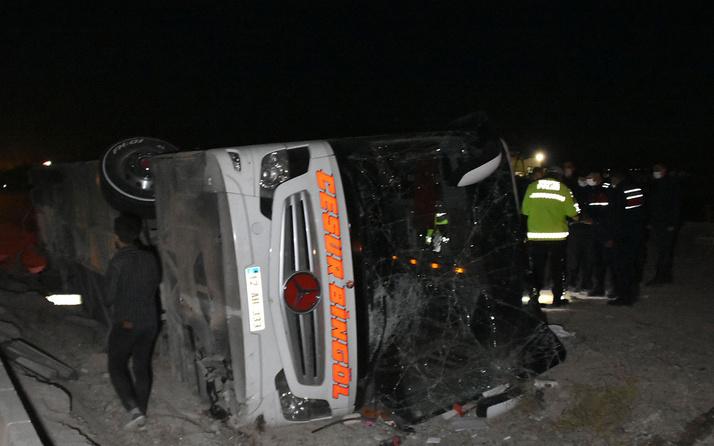 Konya'da yolcu otobüsü devrildi! 1'i ağır 14 kişi yaralandı