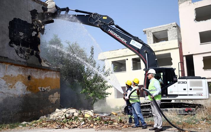 Mersin Akdeniz'de 415 dairelik toplu konut projesinde çalışmalar başladı