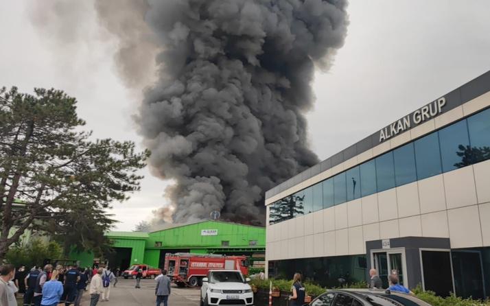 Şile'de fabrikada yangın! Kara dumanlar yükseliyor!
