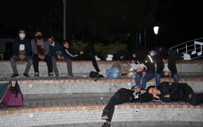Öğrenciler parkta yatıp eylem yaptı! Kocaeli Valisi gerçeği açıkladı: Hiçbirinin...