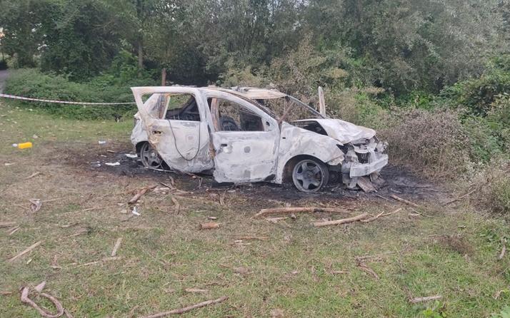 Samsun'da amatör futbolcu yanan aracında ölü bulundu