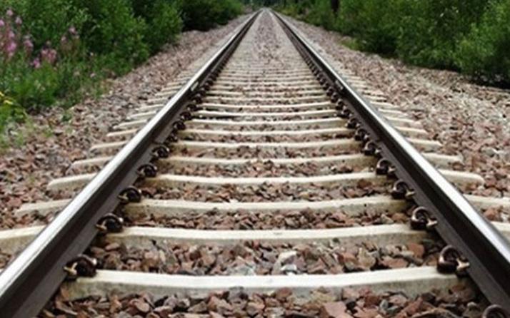 ABD'de yolcu treni raydan çıktı! En az 3 kişi öldü