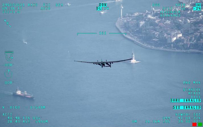 Aksungur insansız hava aracı İstanbul semalarında tur attı