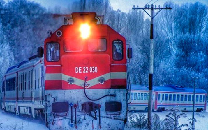 Doğu Ekspresi 24 saatlik Kars yolculuğunu tamamladı