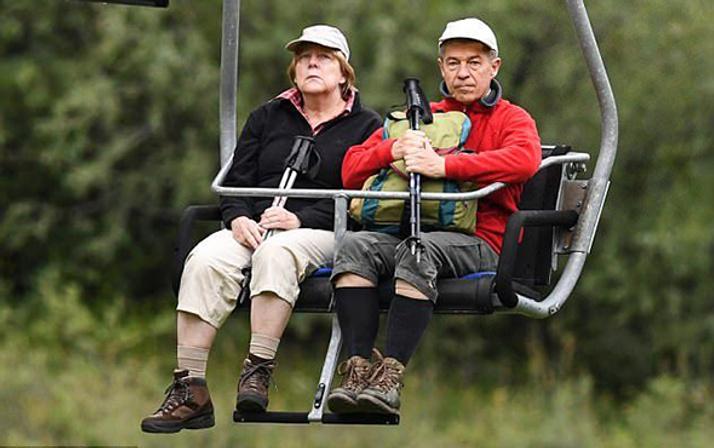 Angela Merkel'in tatil fotoğrafındaki ilginç detay