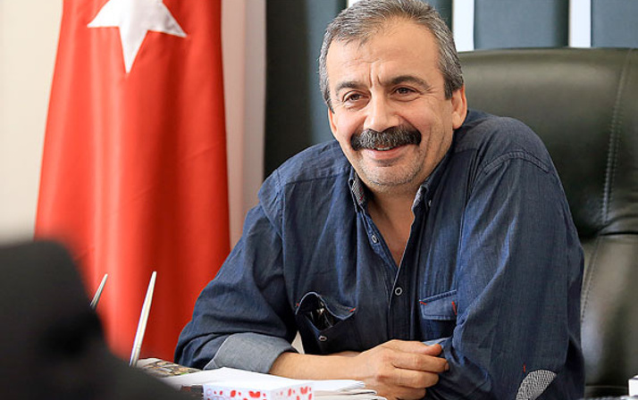 Sırrı Süreyya Önder sinemaya geri dönüyor
