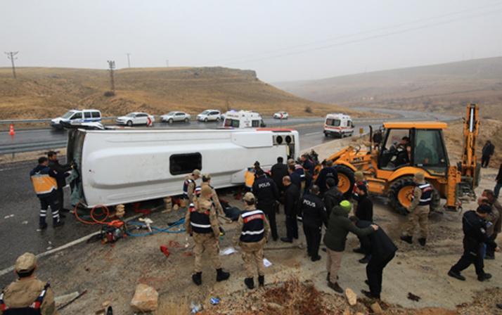 Malatya'da yolcu midibüsü devrildi: 7 ölü, 15 yaralı