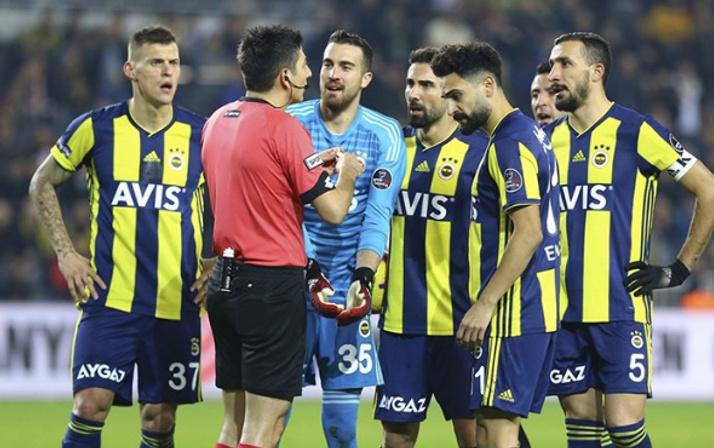 Fenerbahçe'de 3 isim yolcu! Asıl bomba Comolli