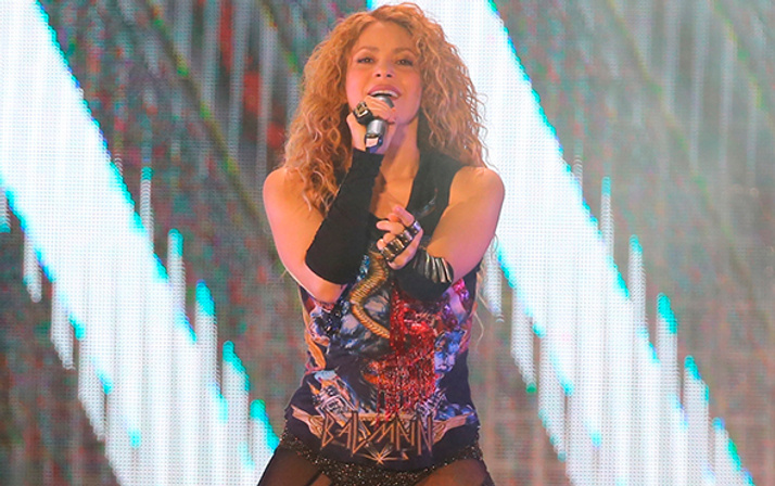 Shakira'dan muhteşem konser!