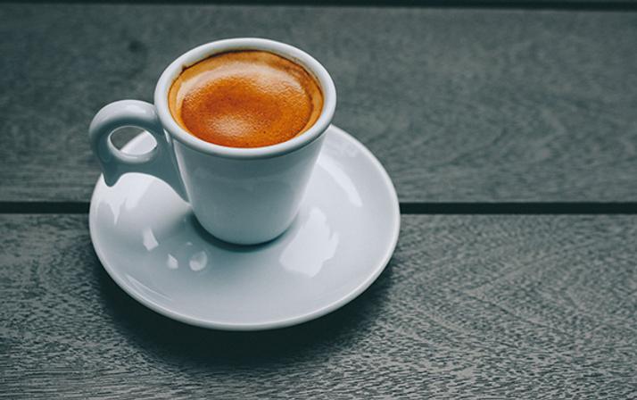 Sabahları uyanır uyanmaz kahve içiyorsanız dikkat