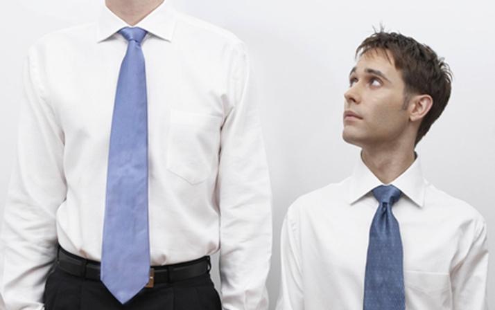 Bilim adamları araştırdı kısa insanlar uzunlara göre daha sinirli oluyor
