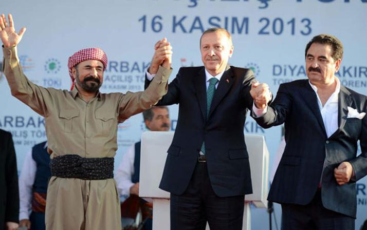 Erdoğan, Barzani ve Perver'le sahnede