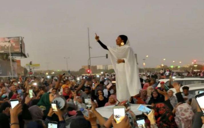 Sudan gelini viral oldu! Darbeyi ateşleyen gelinin kim olduğu ortaya çıktı
