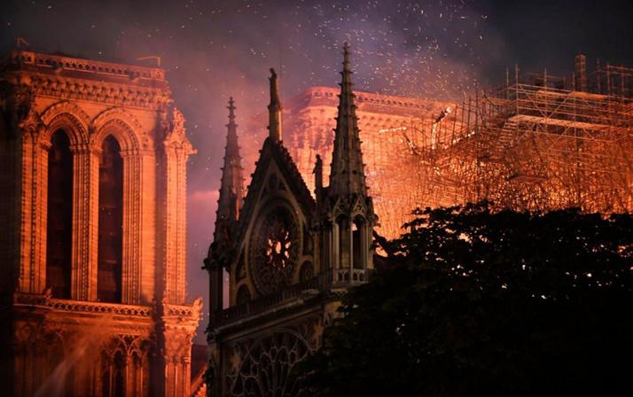 Notre Dame Katedrali yangın sonrası ilk kez görüntülendi