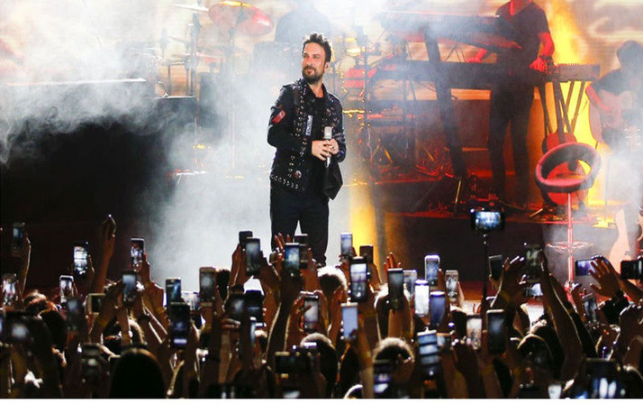 Tarkan Moskova'da fırtına estirdi! Megastar Rusya'da konser verdi