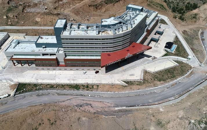 51 milyon liraya yapımı 4 yıl önce biten devlet hastanesi açılamıyor