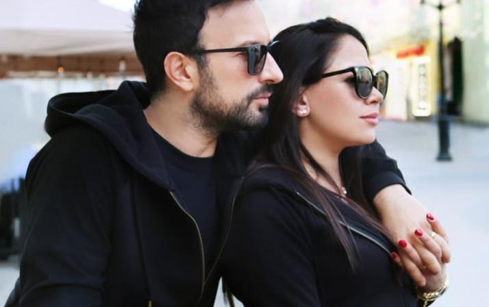 Tarkan eşi Pınar'la Moskova'da aşka geldi! Görüntülerine bakın