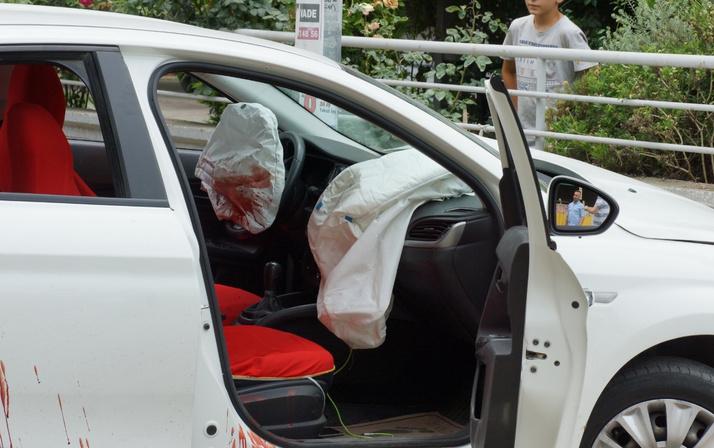 Omzuna falçata saplayan babasını arabayla sürükledi ile ilgili görsel sonucu