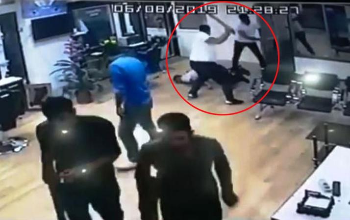 Yer Diyarbakır! Duvarı kırıp dışarı çıkarttıktan sonra öldüresiye dövdüler