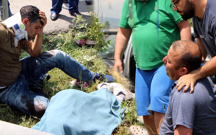 Kazada yaralanan baba ölen oğlunun başında gözyaşı döktü