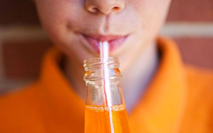 Şekerli içecekler hakkında korkutan araştırma! İşte kanser riskini artıran meşrubatlar