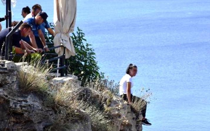Antalya'da intihara kalkışan genç kadının çocuklarıyla ilgili söyledikleri yürek yaktı