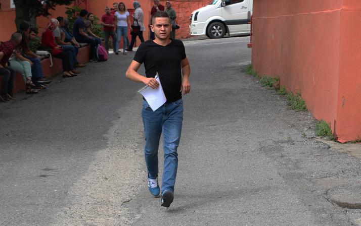 KPSS'ye geç kalan adaylar sınava alınmadı