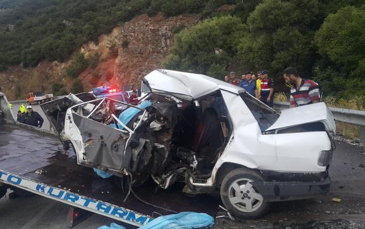 Isparta'da cip ile otomobil çarpıştı: 3 ölü, 1 yaralı
