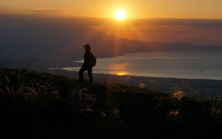 Kampçıların uğrak yeri oldu! Bitlis'teki Nemrut Krater Gölü yoğun ilgi görüyor