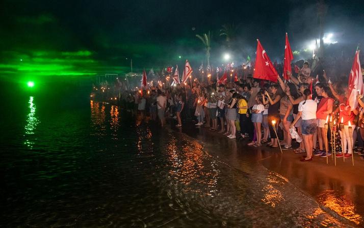 """KKTC'de """"20 Temmuz Barış ve Özgürlük Bayramı"""" ile ilgili görsel sonucu"""