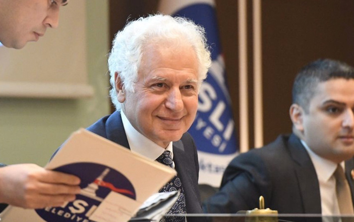 Fatih Altaylı yazdı Şişli'de başkan duruma el koydu, yeniden Arnavut kaldırımı döşetti