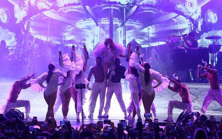 Jennifer Lopez Antalya'da fırtınalar estirdi! Kim Kardashian hayal kırıklığına uğrattı