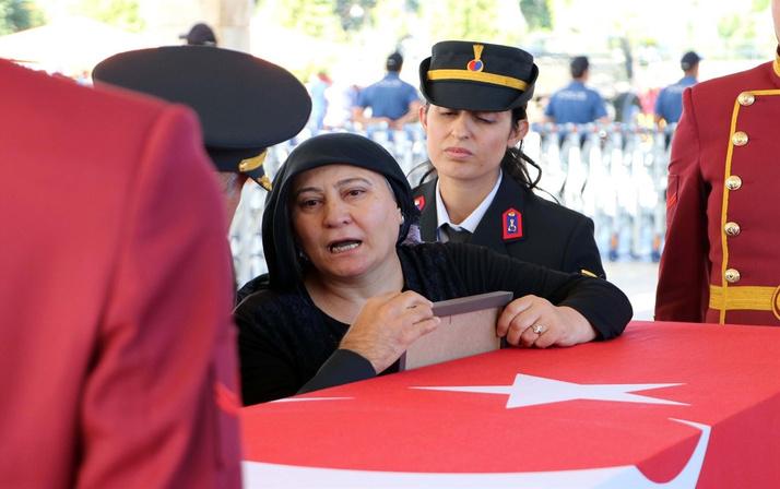 Ankara'da şehit uzman çavuşun annesi yürekleri dağladı