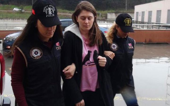 Ali Fuat Yılmazer'in kızının evinde bulunanlara bakın!