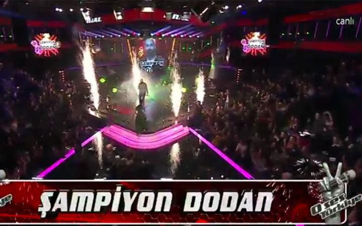 O Ses Türkiye birincisi! Şampiyon açıklandığı an Hadise bomba!