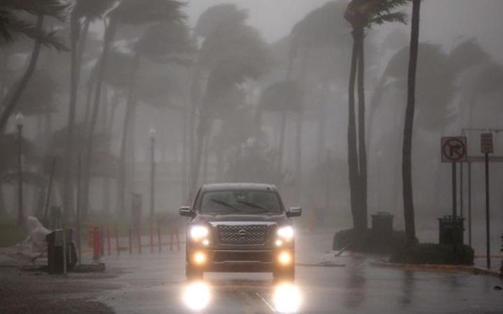 Irma vardı ABD'de yıkılıyor 6.5 milyon kişi kaçıyor şok haberler