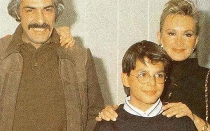 Filiz Akın'ın yanındaki çocuğu tanıdınız mı?