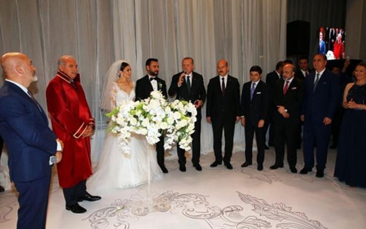 Alişan'a düğünde 1 TL takı takan kim çıktı? Kanal D'de açıkladı