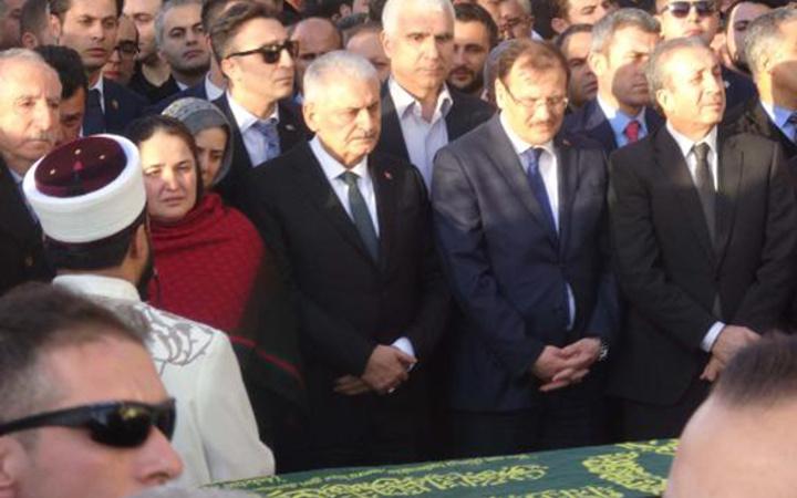 AK Partili Miroğlu'nun oğlu son yolculuğuna uğurlandı