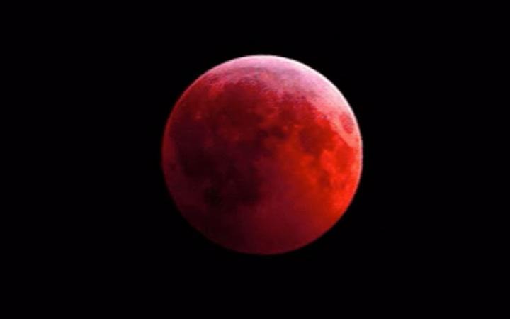Kanlı Ay Tutulması kapıya dayandı! Dünyanın sonu mu geliyor?