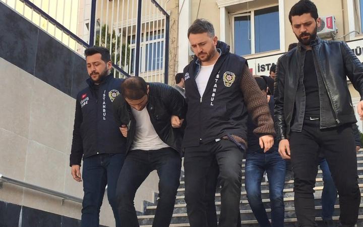 İstanbul'da sürüngenler çetesi çökertildi liderleri 37 yılı duyunca