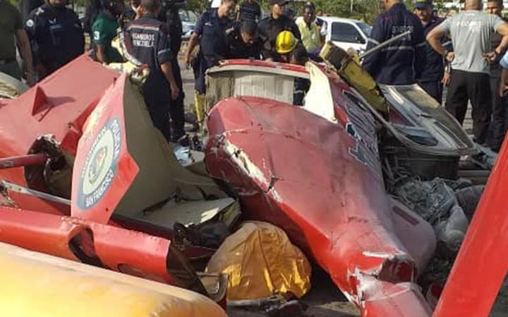 Venezuela'da polis helikopteri düştü: General ve pilot öldü