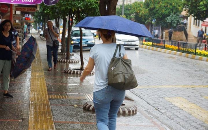 Meteorolojiden aşırı sıcak uyarısı ve sağanak yağış haberi geldi
