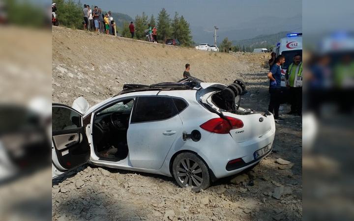 Antalya'da trafik kazasında anne ile oğlu öldü