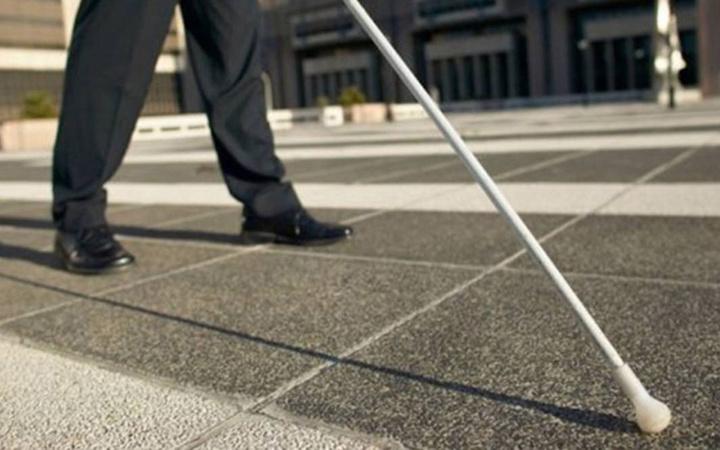 Görme engelli vatandaşlar şikayetçi! Bağımsız olarak ihtiyaçlarını giderdikleri yollar işgal halinde!