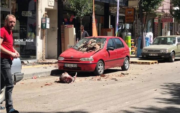 Denizli'deki depremden ilk görüntüler geldi