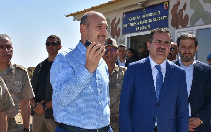 Süleyman Soylu sınırda üs bölgesini ziyaret etti Erdoğan askerlere böyle seslendi