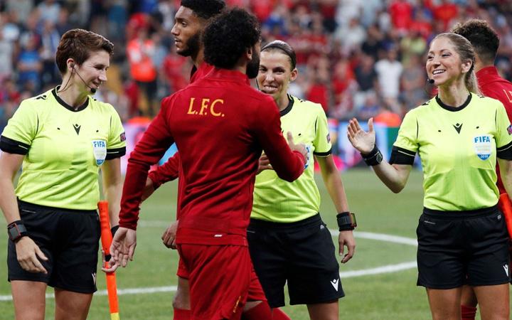Kadın hakem Stephanie Frappart Liverpool Chelsea Süper Kupa finaline damga vurdu geçer not aldı